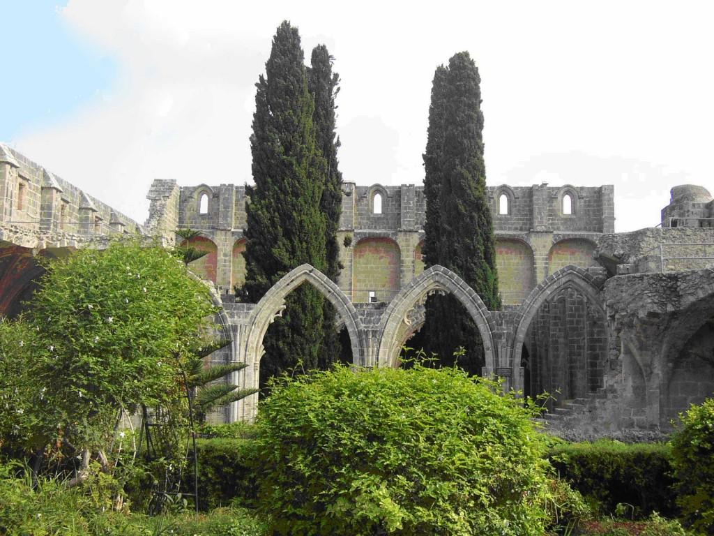 cisetta-antik-kent-girne-bellapais