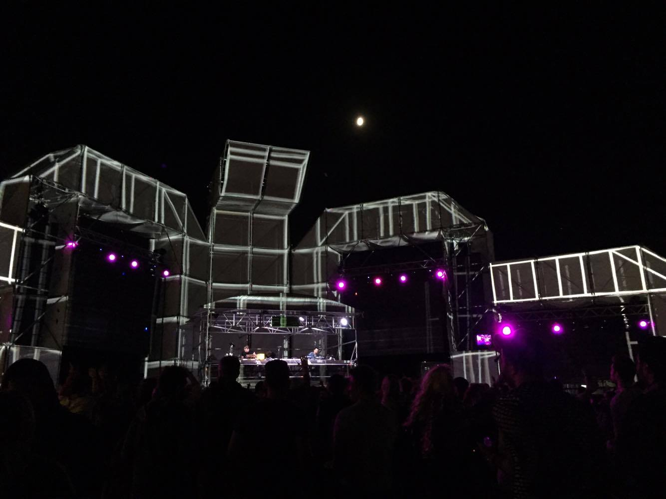 cisetta-burn-electronica-festival-2016-night