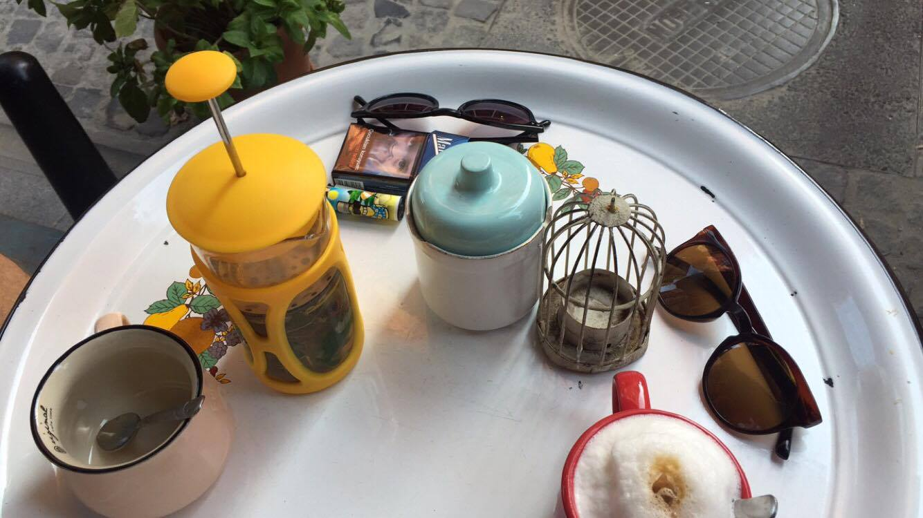 cisetta-maide-cafe-balat